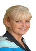 Carole Bell (Cyfarwyddwr Nyrsio a Sicrhau Ansawdd)